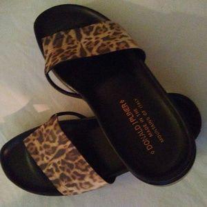 Donald J. Pliner Fifi sandal size 7. Gently worn.